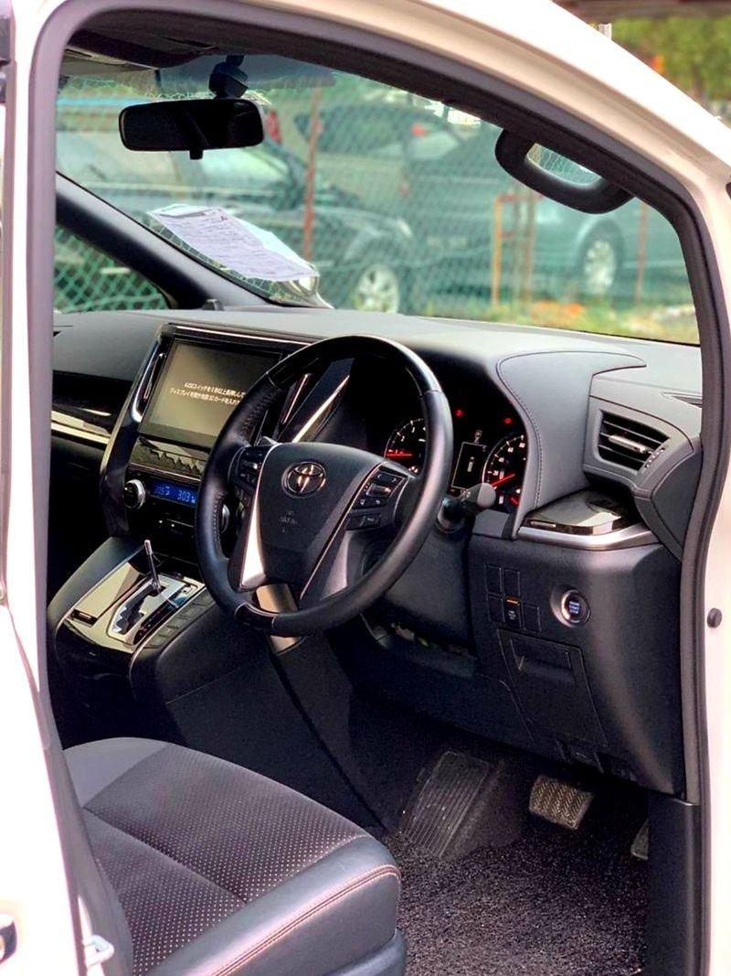 Kajang Selangor For Sale Toyota Alphard Vellfire Mpv Sambung Bayar Continue Loan Credit Loan 1800 Malaysia Cars Com Malays In 2020 Malaysia Vehicles Steering Wheel