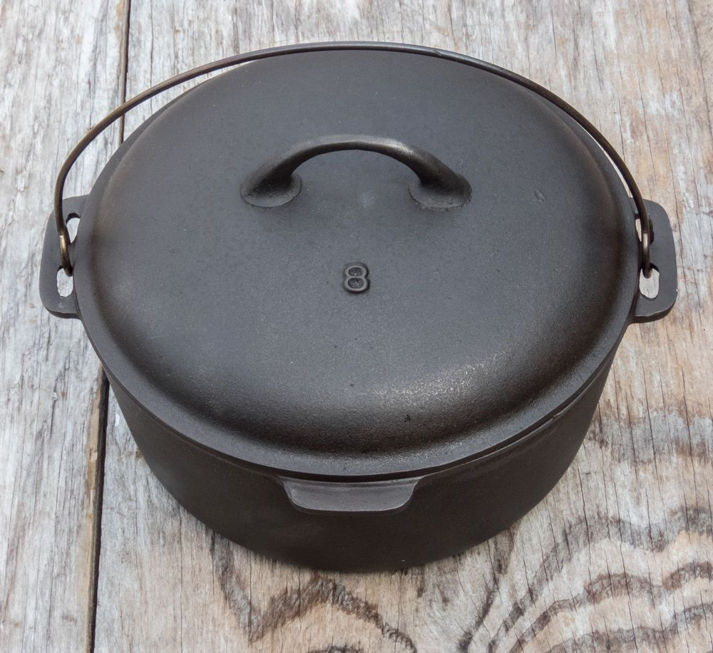 Vintage Lodge No 8 Cast Iron Dutch Oven With Lid And Trivet Lodge
