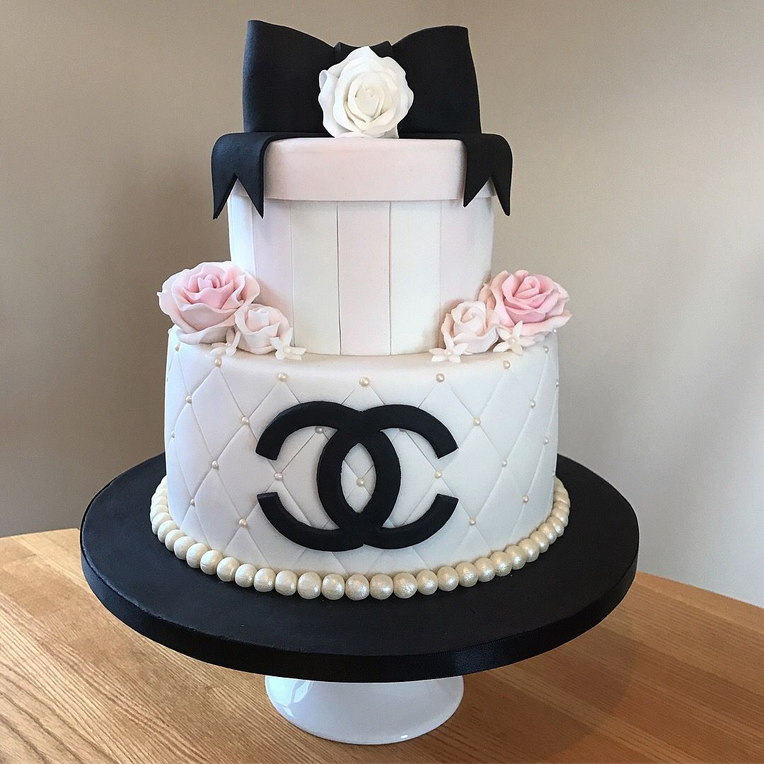 Stupendous Chanel Quilted Birthday Cake With Fondant Roses And T Box With Funny Birthday Cards Online Fluifree Goldxyz
