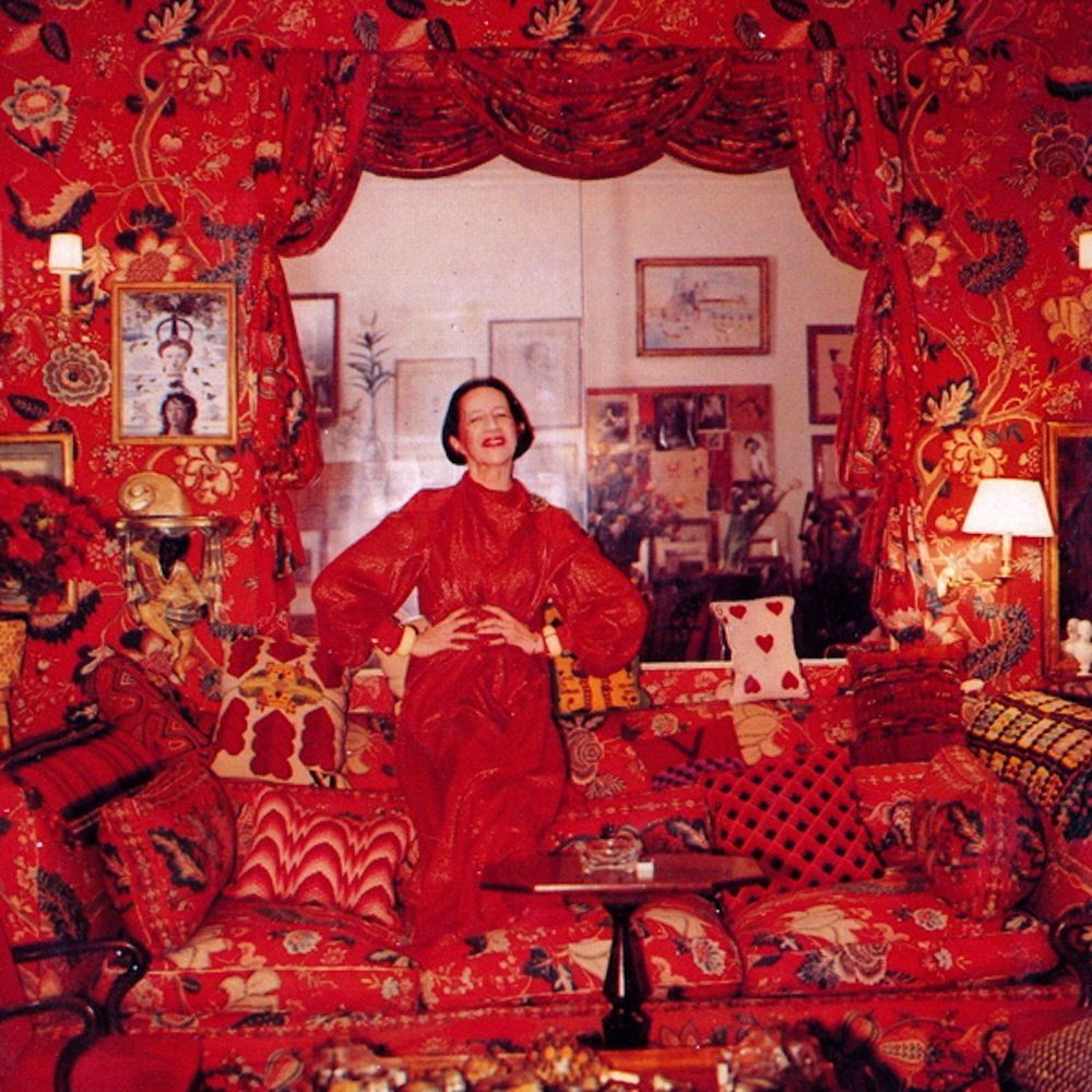 Diana Vreeland in her apartment