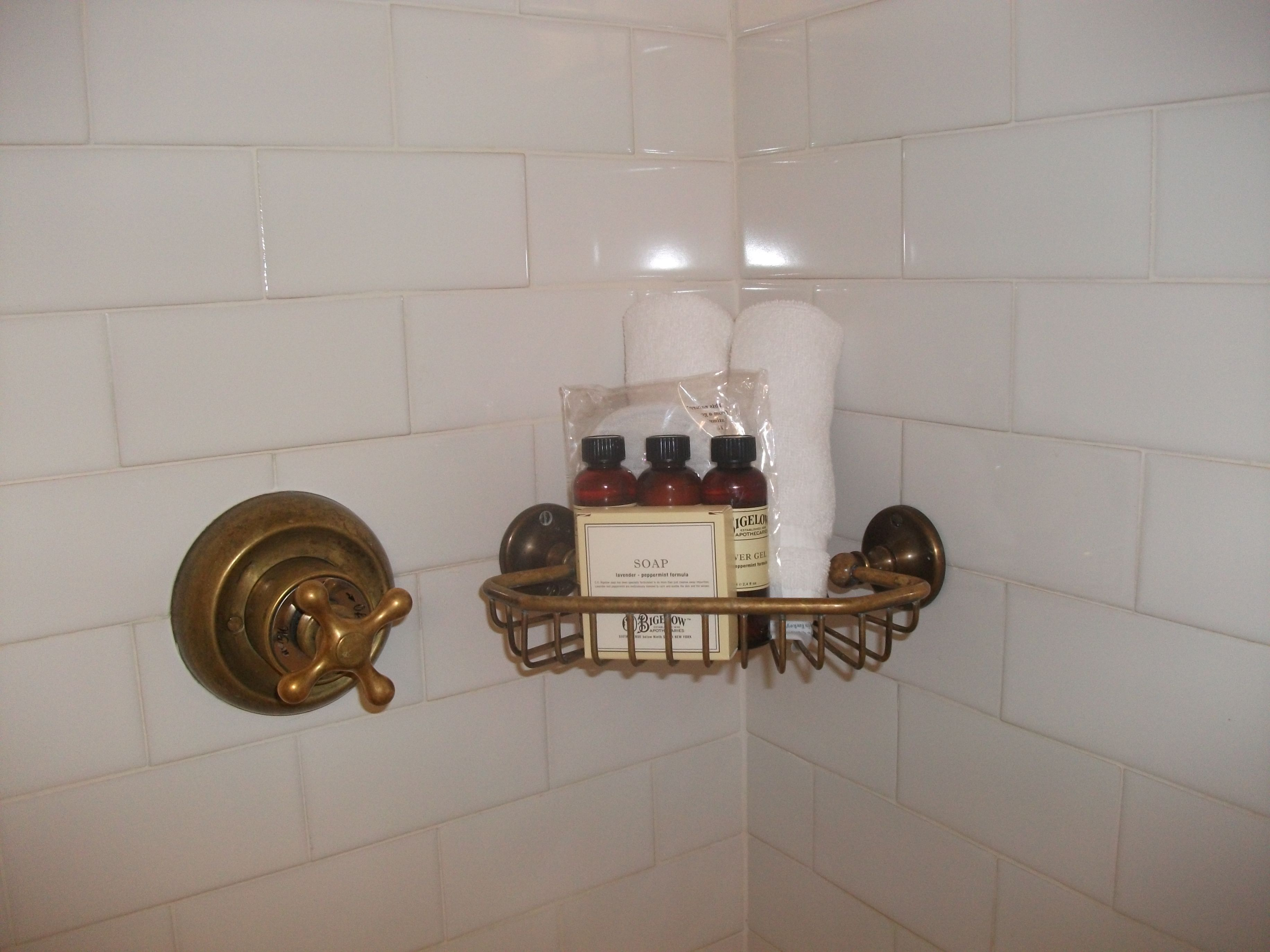 bathroom at the bowery hotel nyc - copper fittings and ...
