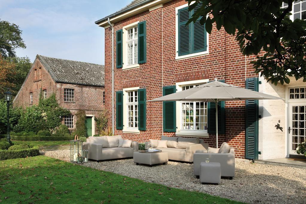 Outdoor Loungemöbel: Dreisitzer CARLO von FINK aus Sunbrella + Quick-Dry-Foam in ecru. http://www.deSaive-deSign.de/CARLO-Dreisitzer…