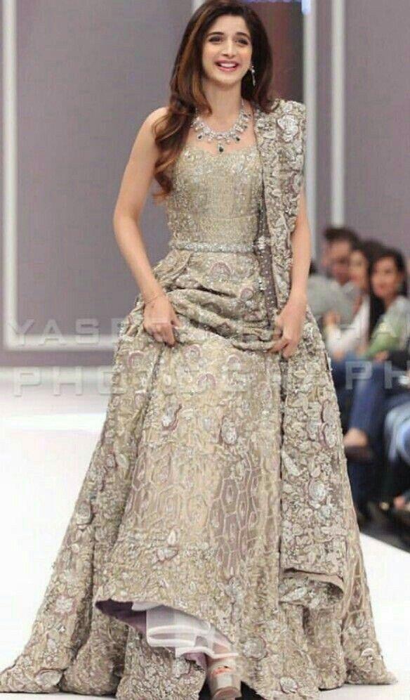 8e8ba7e0b75 Pretty silver bridal lehenga worn by Mahira Pakistani Engagement Dresses