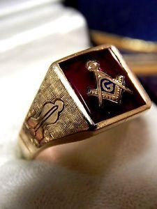 Vintage Heavy Solid Back 10K Gold Red Stone Masonic Ring 8 1 grams