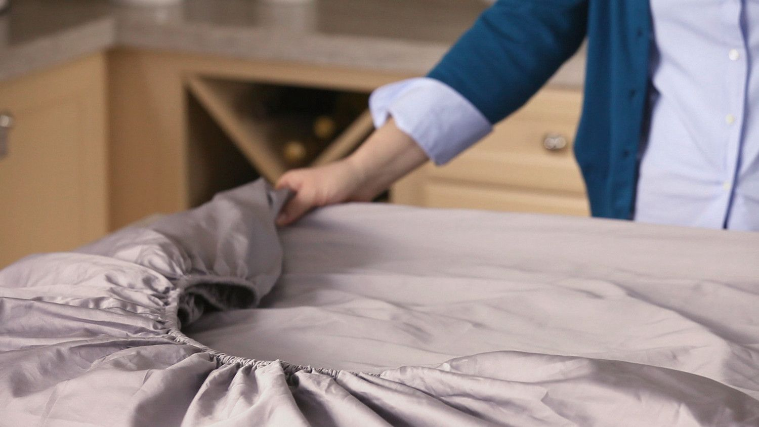 Best way to fold a fitted sheet folding fitted sheets