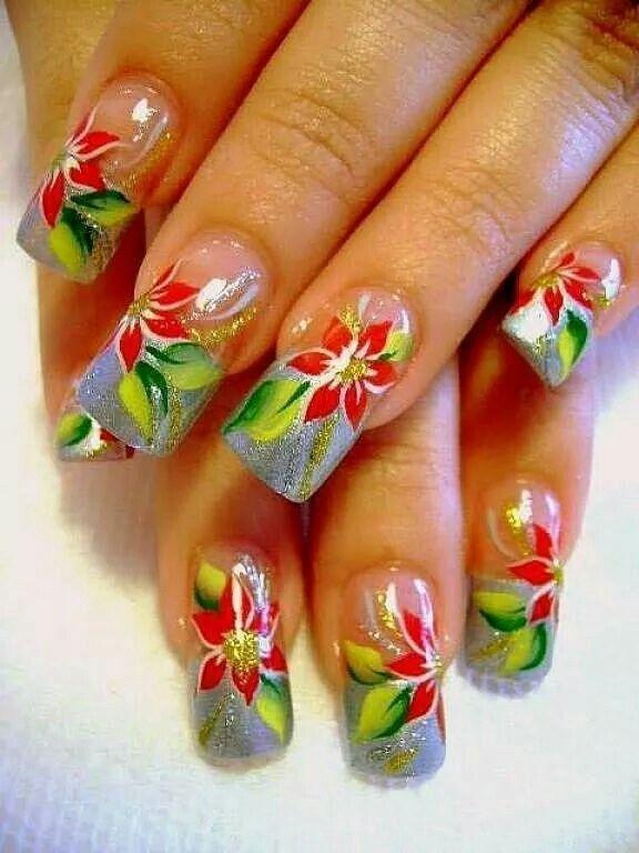Noche Buenas Nails