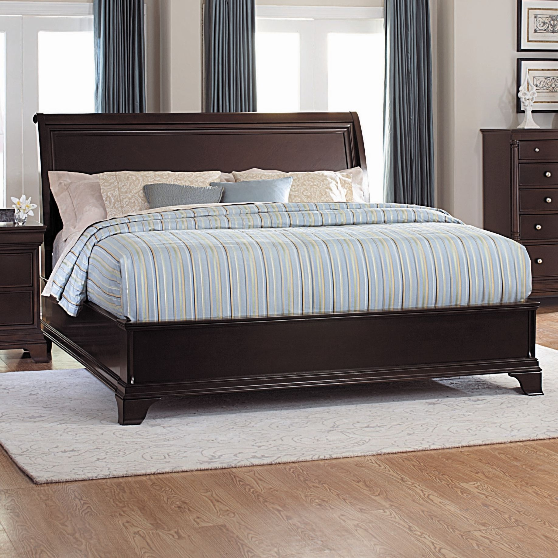Woodbridge Home Designs Inglewood Panel Low Profile Bed Mirrored