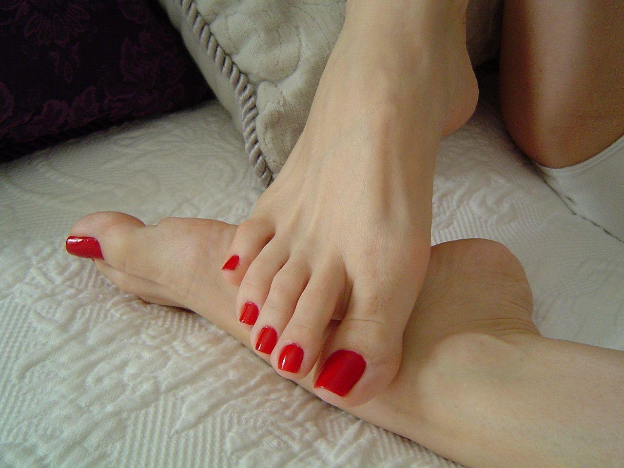 облизывания пальцев ног - 1