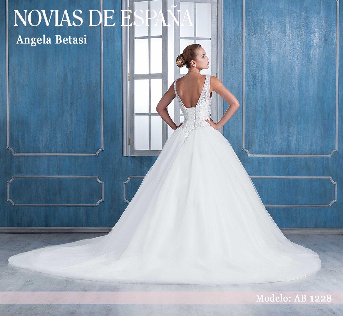 Modelo AB 1228 #NoviasdeEspaña | Angela Betasi | Pinterest