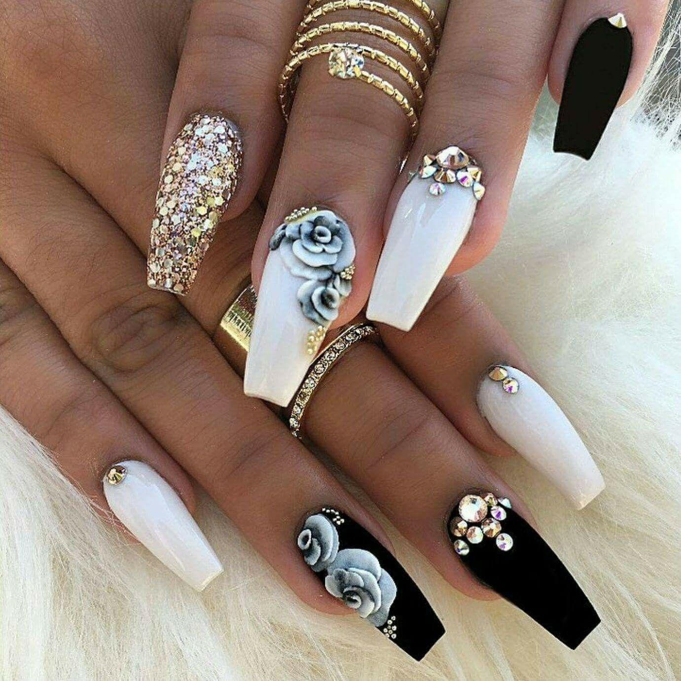 rhinestones naglar