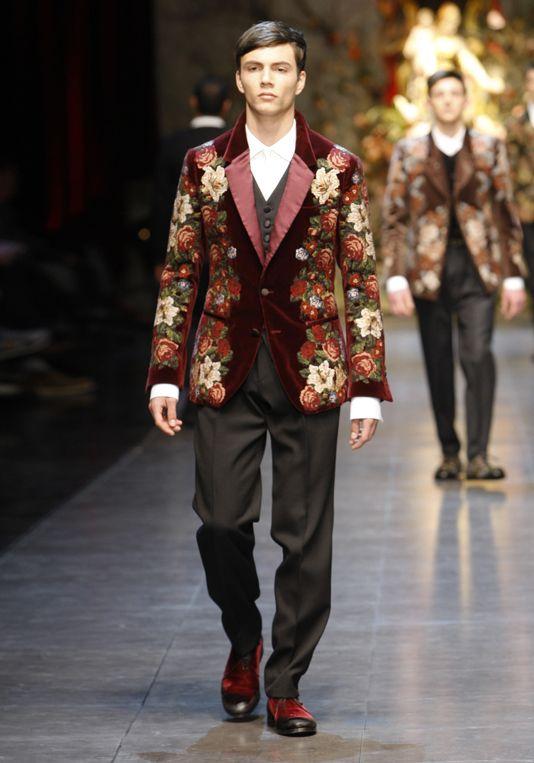 6e3f207a68c8 Dolce   Gabbana Mens Runway Show Fall Winter 2013  DolceGabbana ...