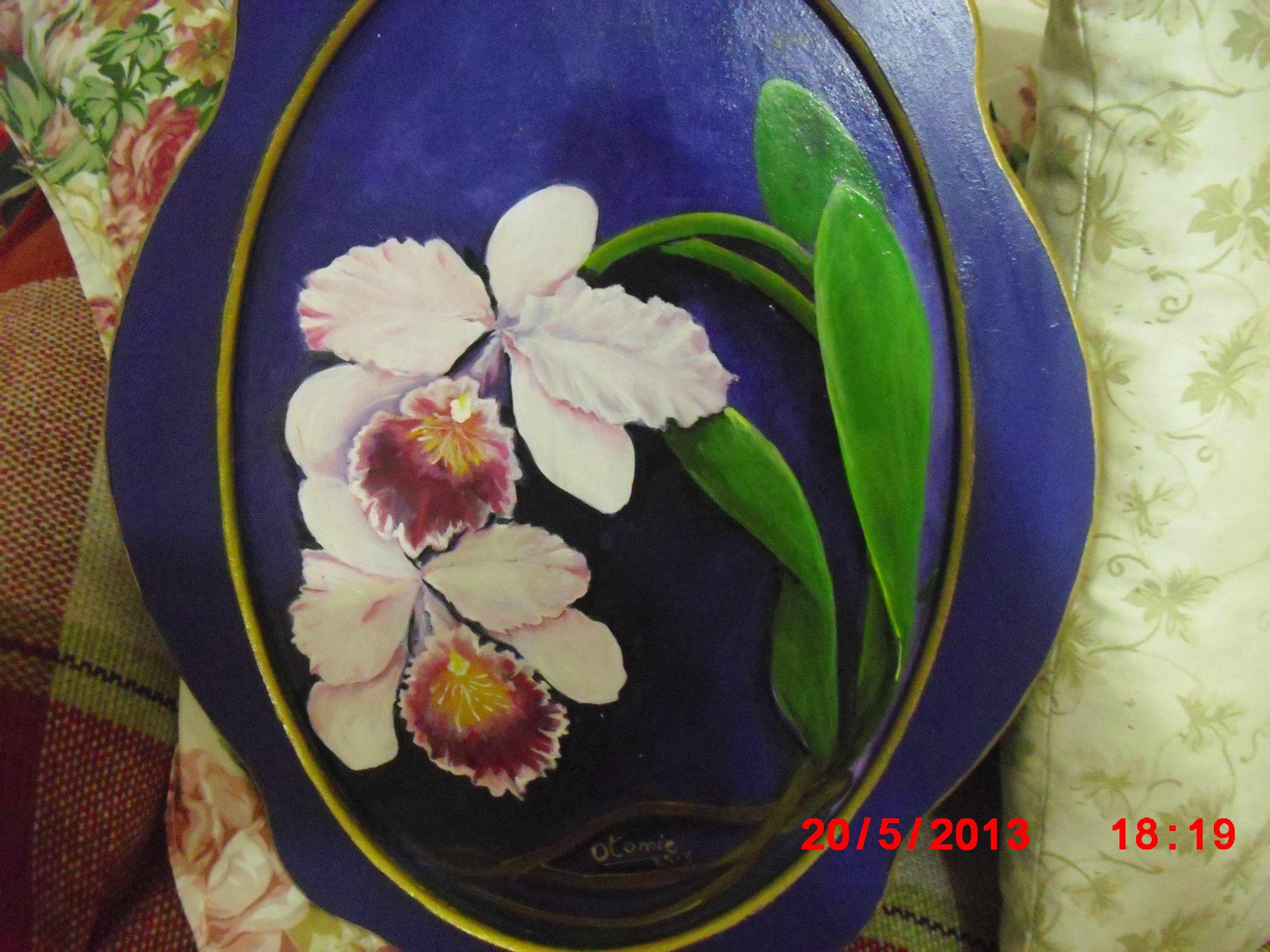 Bandeja decorativa para el comedor. con orquideas.