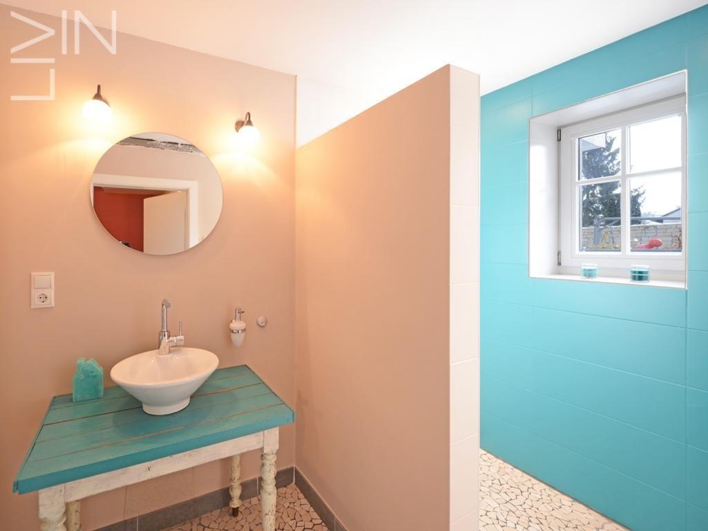 Bathroom turquoise  Appartment Heffingen