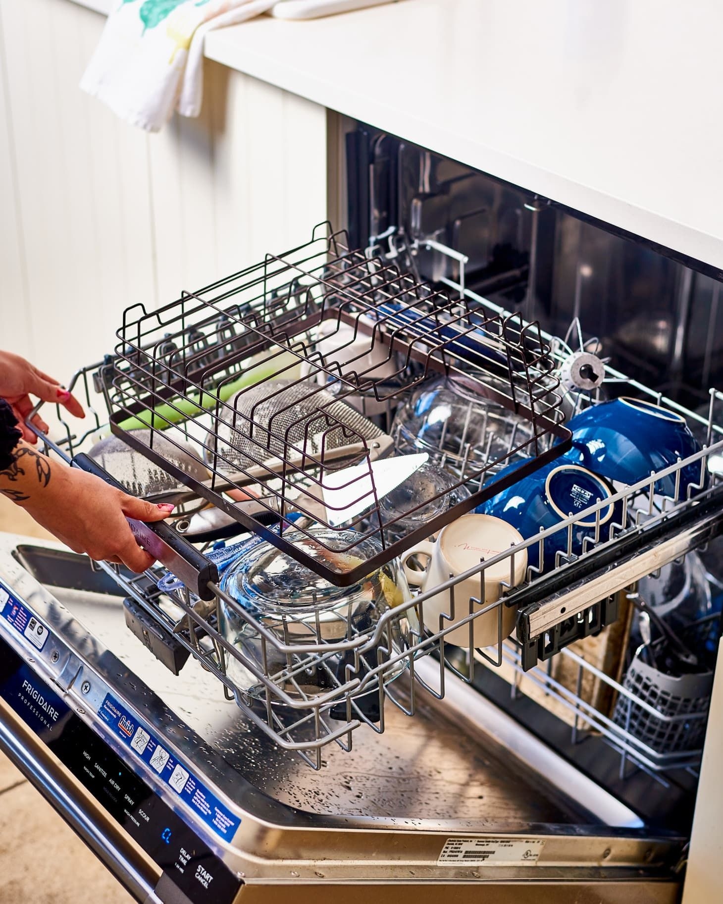 3 Easy But Overlooked Things Everyone Should Clean This Weekend Cleaning Best Dishwasher Dishwasher