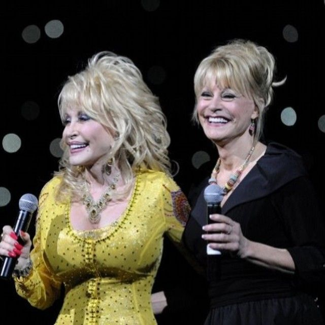 Dolly Parton @ Dollywood With Her Sister Cassie