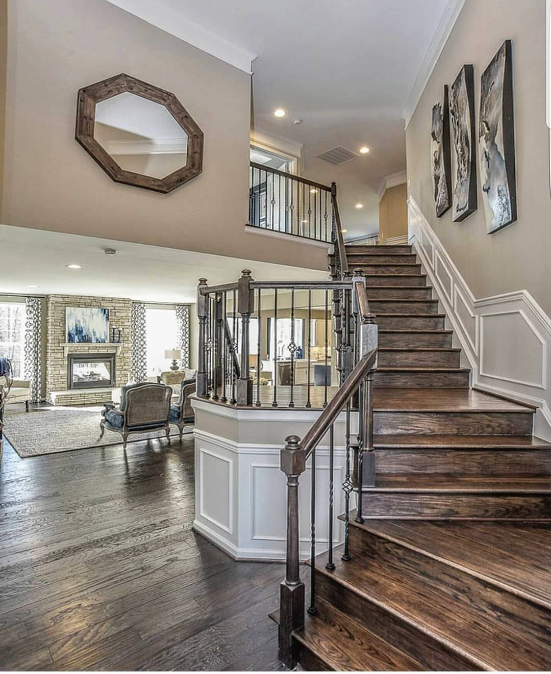 Which foyer do you like the most, 1 or 2? .
