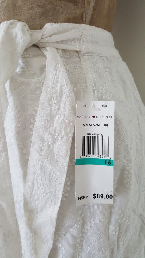 New Tommy Hilfiger Skirt Size XLarge 16 Embroidered White Cotton Wrap Paisley…