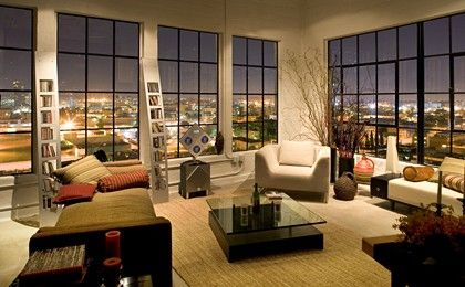 Lofts of Manhattan..nikki's loft next door to my cottage!