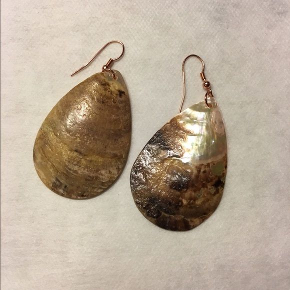 Shell Earrings Gorgeous but light rose gold shell earrings will