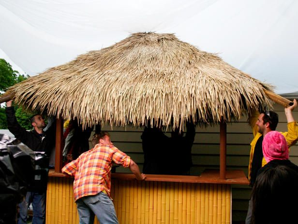 How To Build A Tiki Bar With A Thatched Roof Tiki Bars Backyard