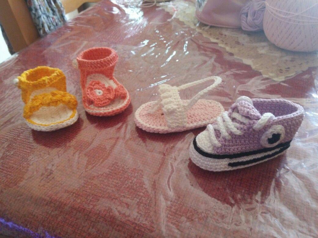 Tante scarpette per neonato/a estive ed invernali....
