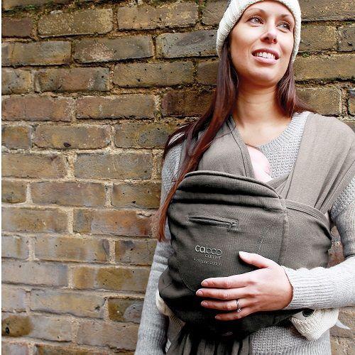 Close Caboo Carrier Bæresjal/Bæresele Økologisk Bomull Driftwood Marl. Livet som småbarnsforeldre kan til tider være hektisk, og da er det veldig kjekt med en bæreløsning som passer deg og din baby.