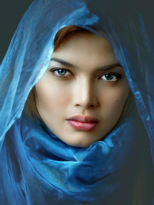 Hermosa Mujer Arabe Rostro De Mujer Rostro Femenino Fotos De