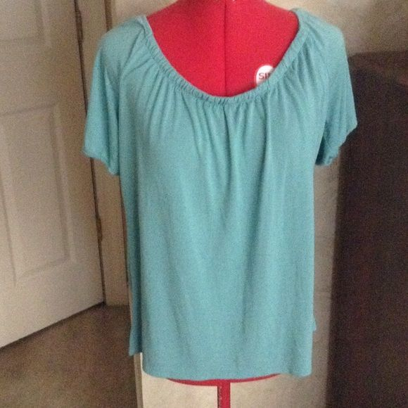 Old Navy t shirt T shirt has gathered elastic neckline and elastic short sleeves Old Navy Tops Tees - Short Sleeve