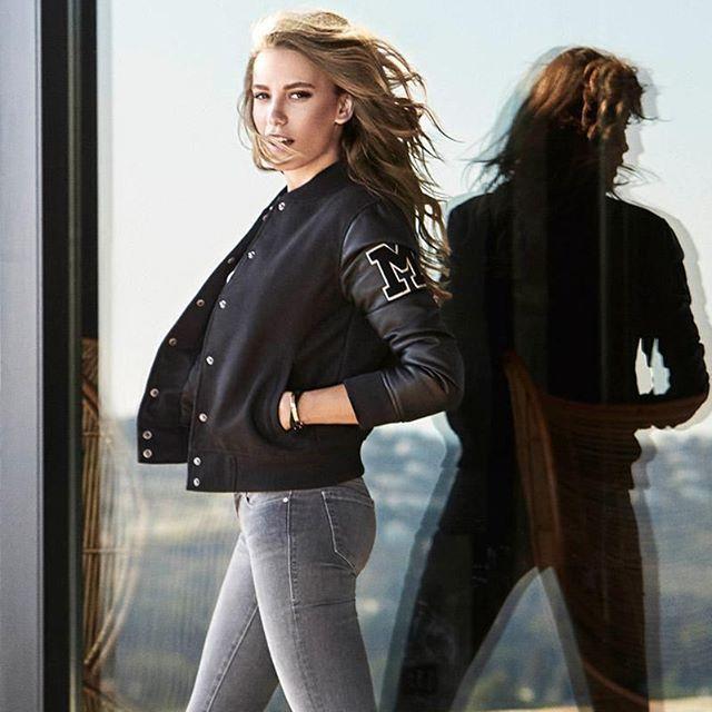 Serenay Sarıkaya, Turkish actress, model. Sonbahar Koleksiyonundan.