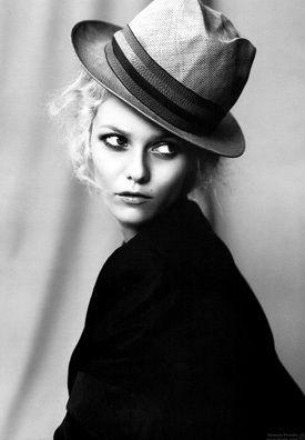 French Fashionista!   French Fashion   Pinterest   Vanessa paradis ... c2a4c08971b1