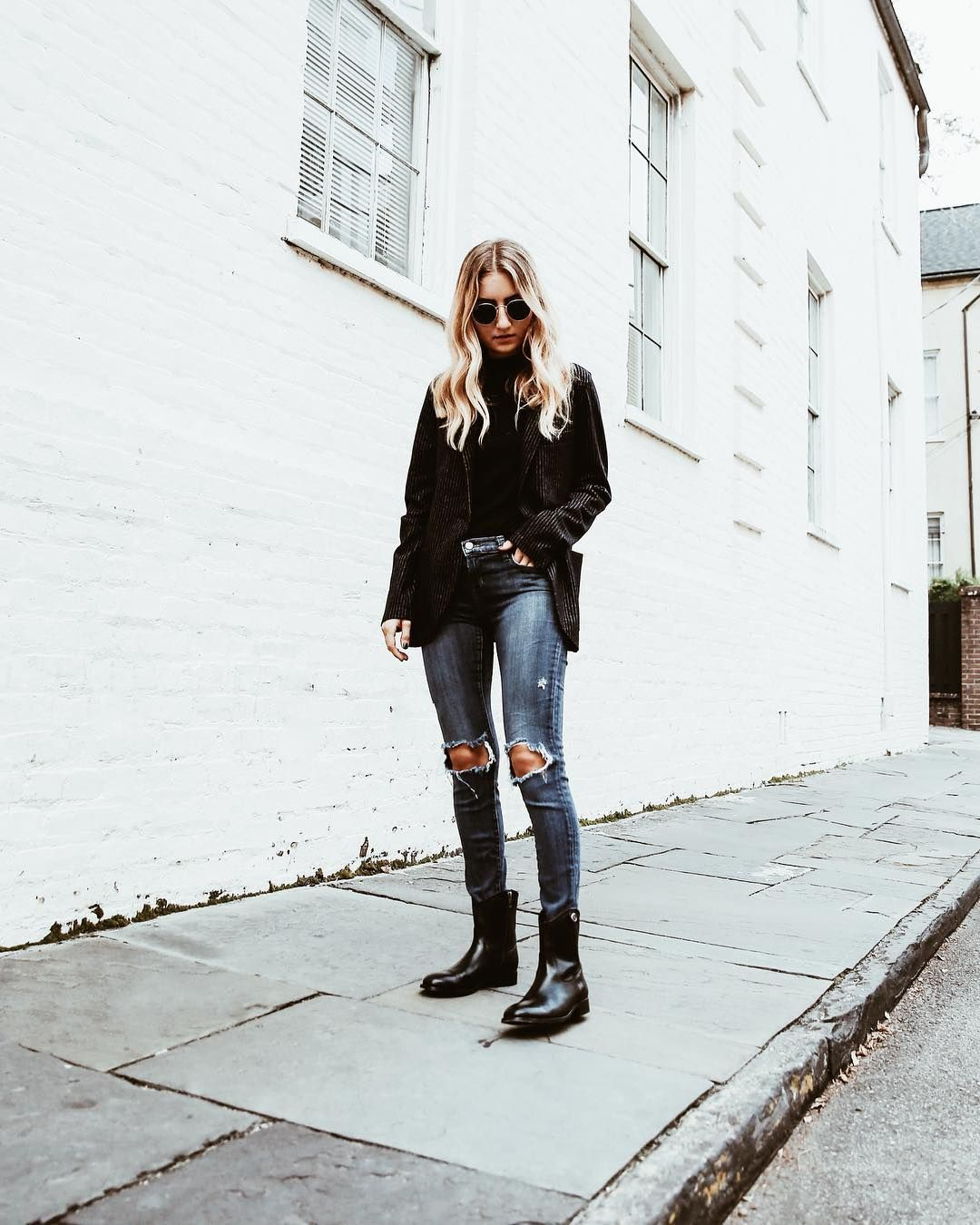 8bfef59e889 Classic + stylish   lilysykora wears the Melissa Button 2 Boots ...