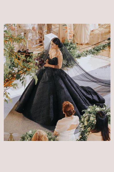 Die Schonsten Brautkleider Der Stars Schwarzes Brautkleid Hochzeitskleid Brautkleid Prinzessin