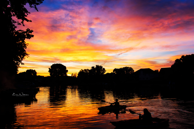 Kayaking As The Sunsets Near Waterloo Nebraska Scenic Views Scenic Landscape