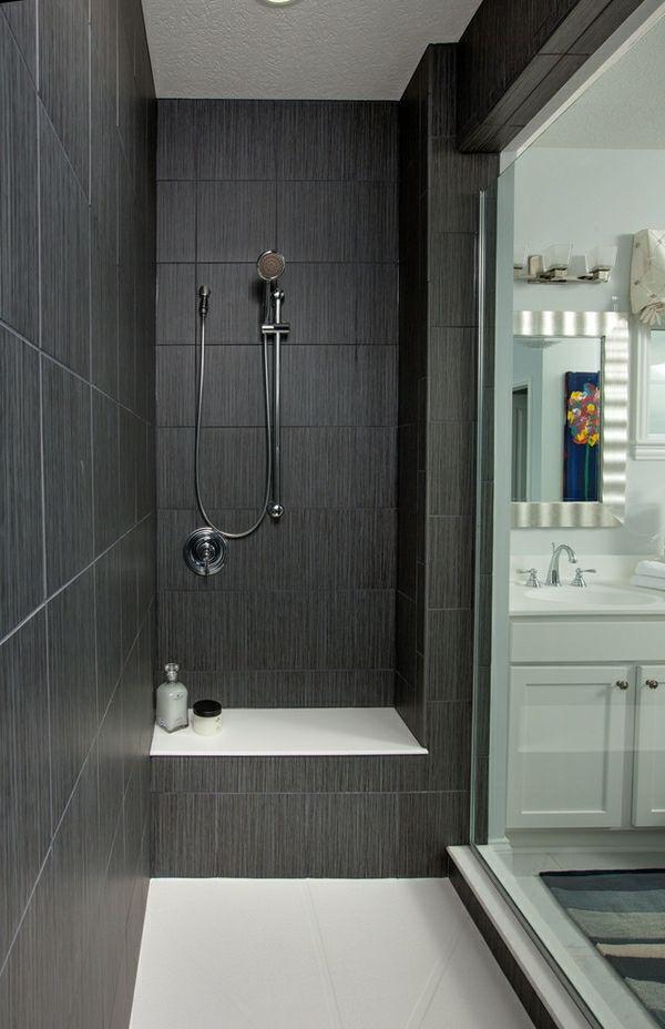 Geflieste Dusche Im Dunklen Badezimmer Moderne Gestaltung Mit Bildern Dusche Fliesen Badezimmer Dusche Fliesen Fliesen Dusche Ideen