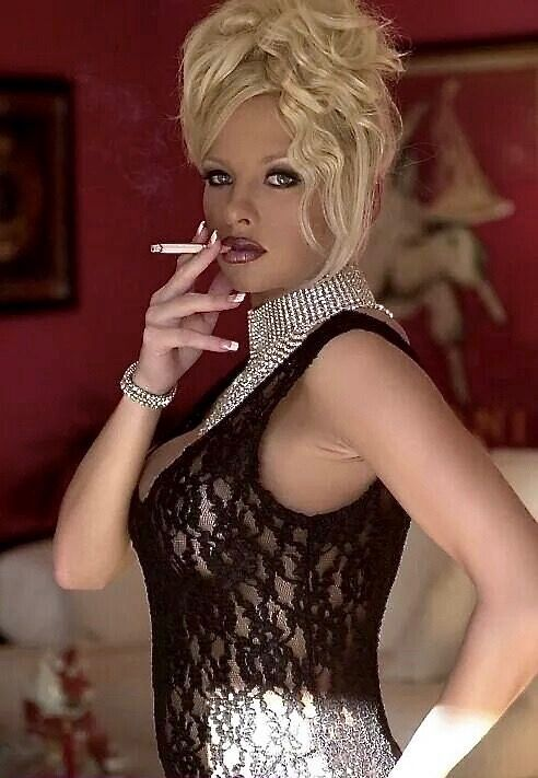 Sexy trannies smoking