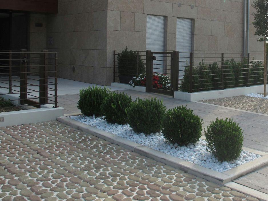 Baldosas de exterior de cemento efecto piedra acciottolato for Baldosas de jardin