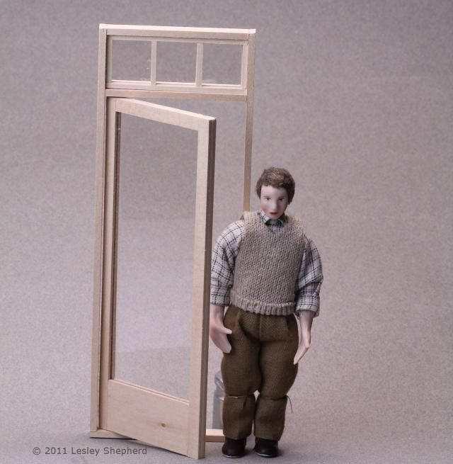PAIR OF standing  FRAMES DOLL HOUSE MINIATURE