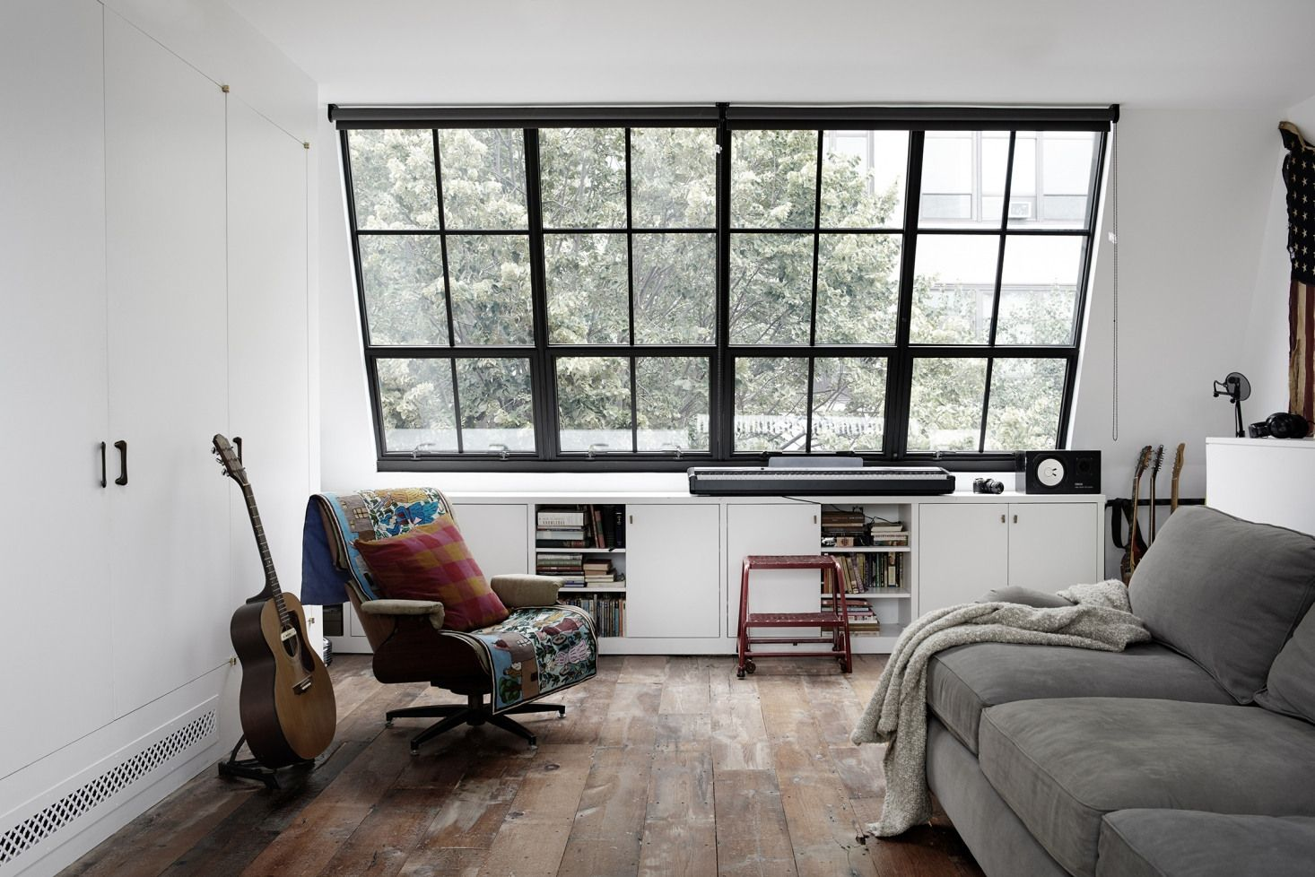 Rony Vardi S Brooklyn Townhouse Remodel Gut Renovation Home Home Living New Room
