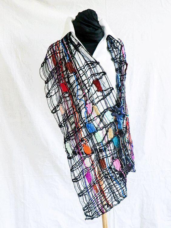 handmade bobbin lace wool in black, geklöppelter Spitzen-Schal schwarz von UliBaysie, €209.00: