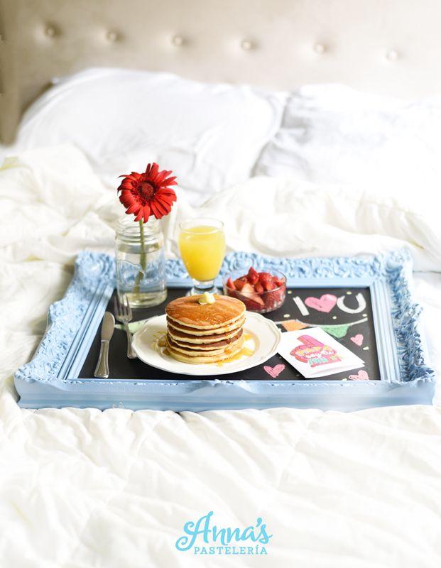 Idea de desayuno en la cama para el día del padre, día de la madre o ...