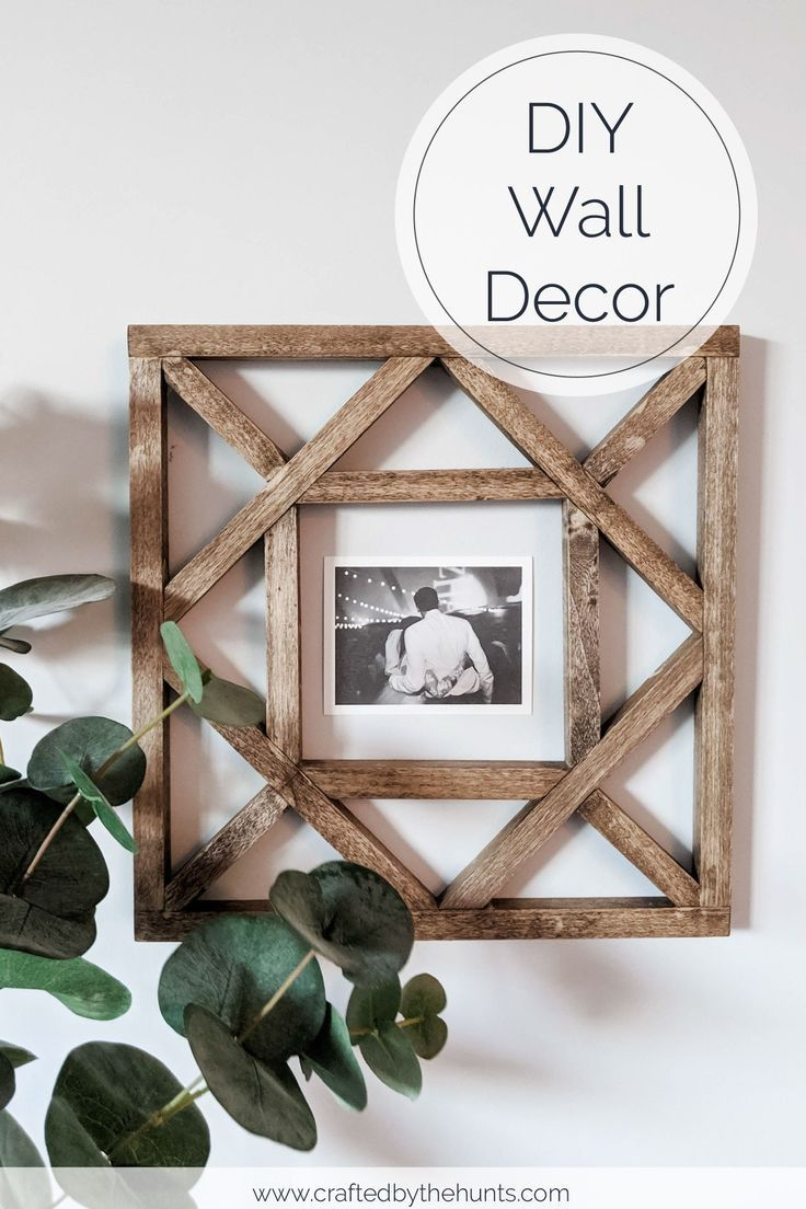Make these DIY Wood Squares for Wall Decor is part of Diy wood wall decor, Diy pallet wall, Diy wood wall, Wood picture frames diy, Diy wall decor, Diy pallet wall art - Looking for wood wall decor  Try making these DIY wood squares! Printable cut list included in free stepbystep plans