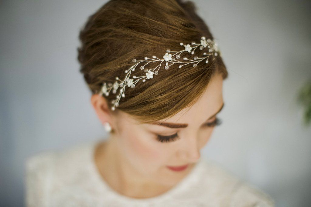 Short hair wedding inspiration that shows you dont have to grow out your cropped locks!