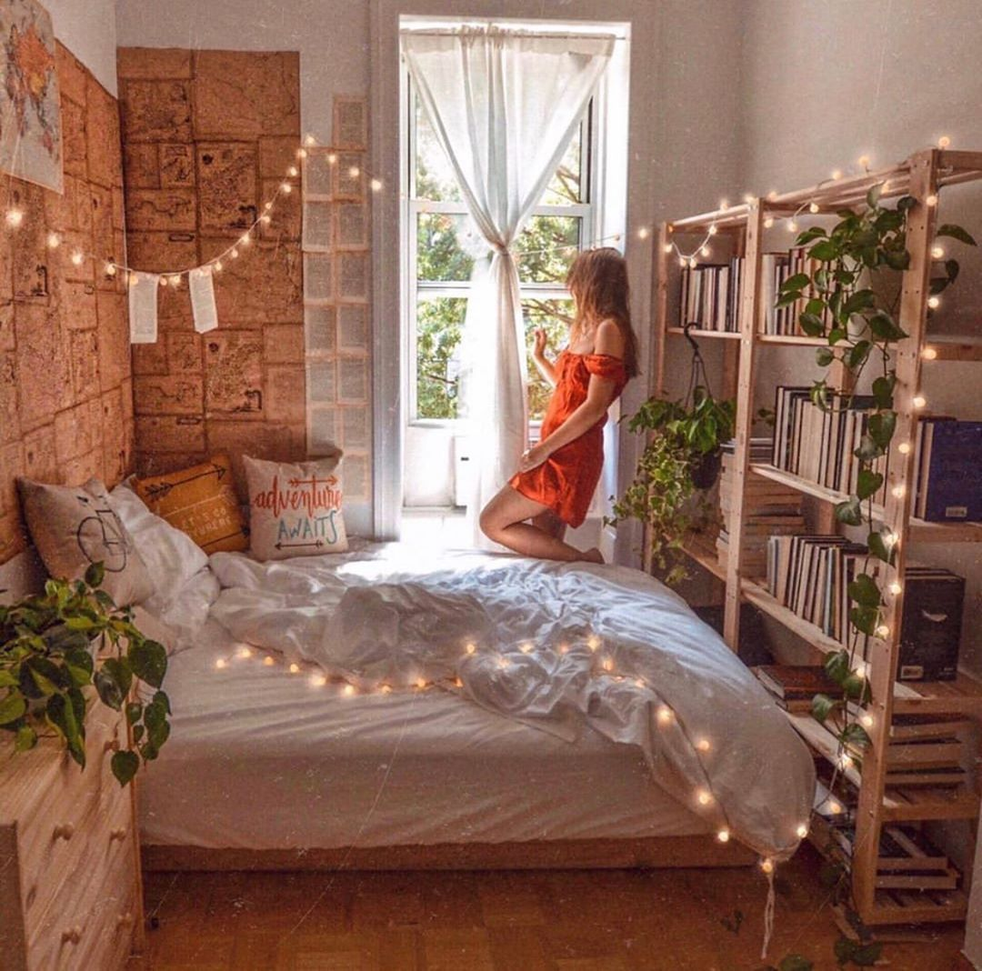 How To Decorate Your Dorm Room In 2020 Modern Bohemian Bedroom Bohemian Bedroom Decor Cozy Room