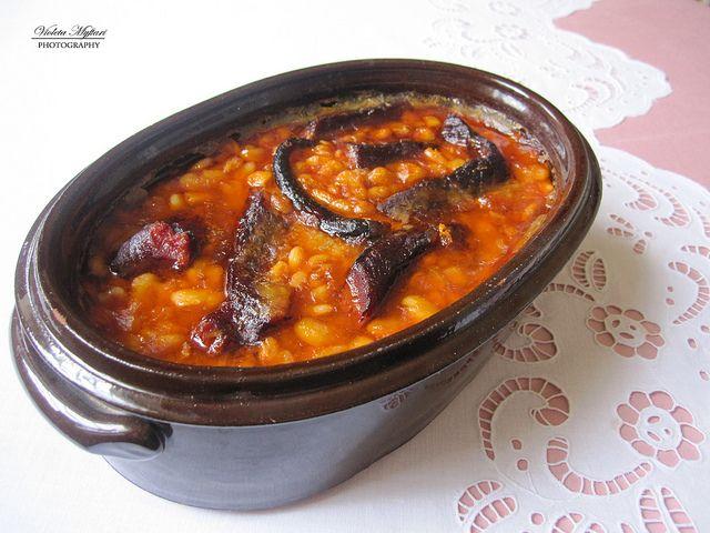 Carsolle of beans and smoked meat - Pasul në tavë me mish ...