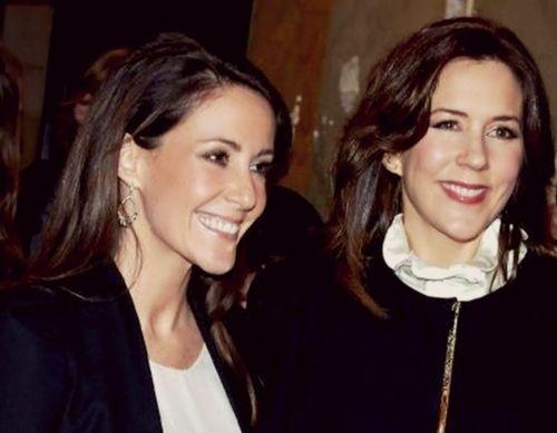 Royalblue Sisters In Law Princess Marie And Crown Princess Mary Of Denmark Princesas Realeza Dinamarquesa Realeza
