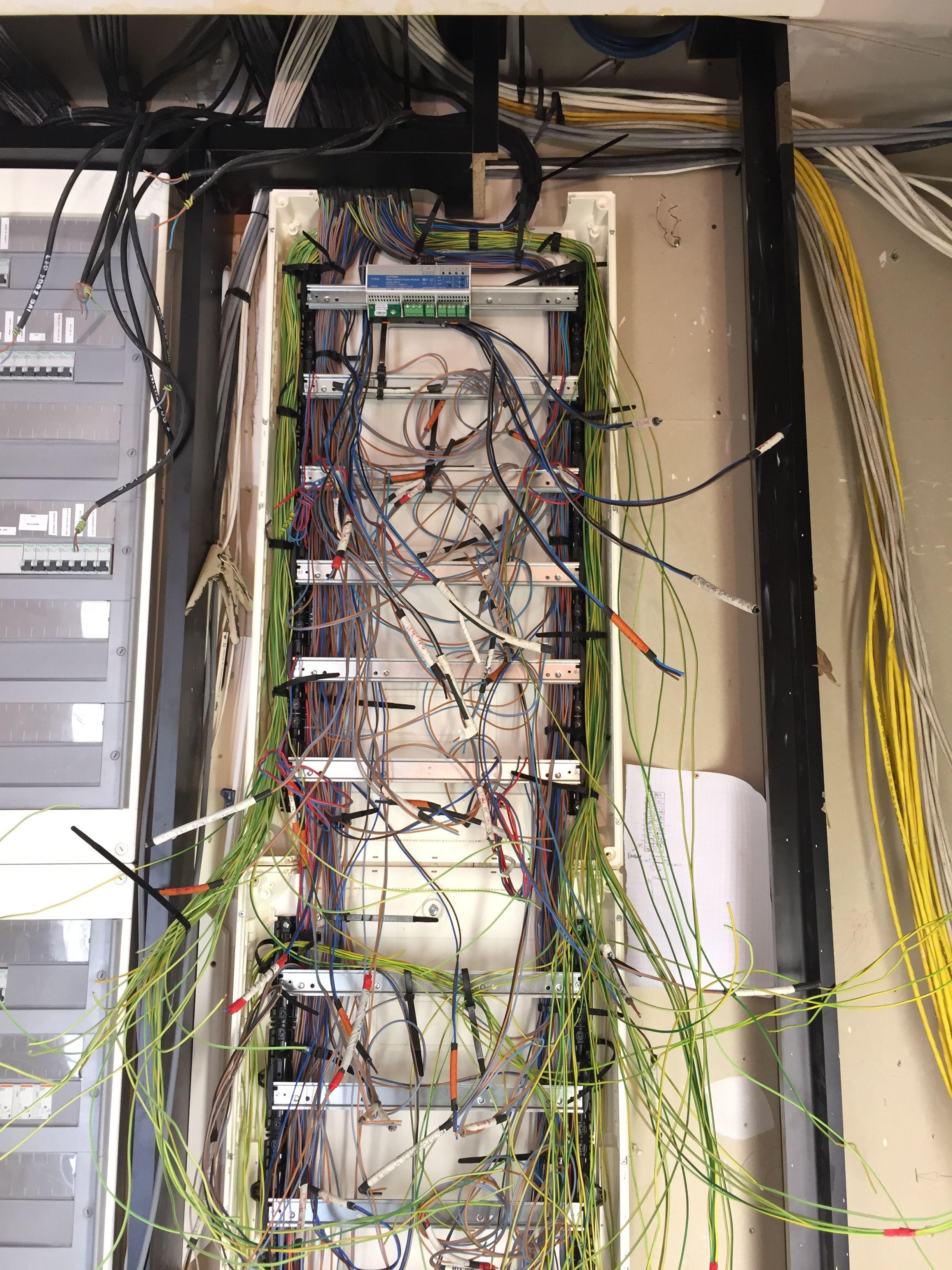 Ausgezeichnet Lutron Qs System Fotos - Schaltplan Serie Circuit ...