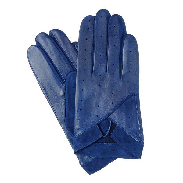 Mănuși scurte pentru femei, fara captuseala. În interior piele de căprioară.