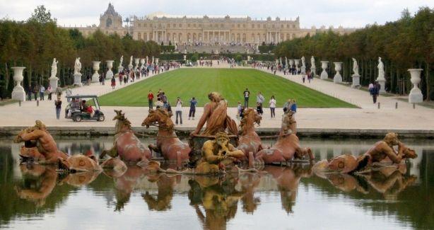 Cuando vayas a Paris no te olvides escaparte un día a Versalles, es espectacular http://www.viajaraparis.com/?page=versalles.php
