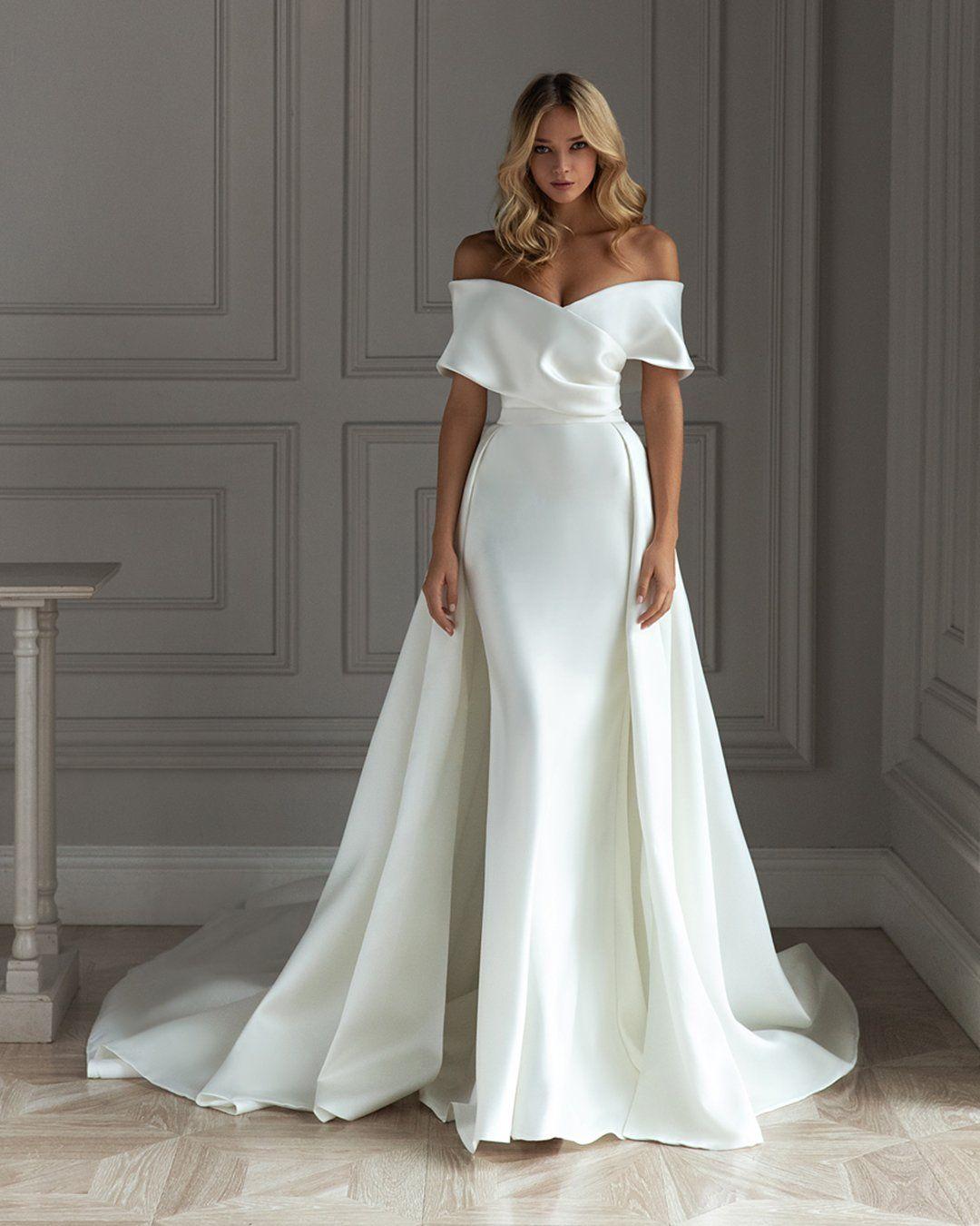 21 Most Pinned Wedding Dresses In 2021 Simple Elegant Wedding Dress Wedding Dresses Bridal Gowns [ 1350 x 1080 Pixel ]