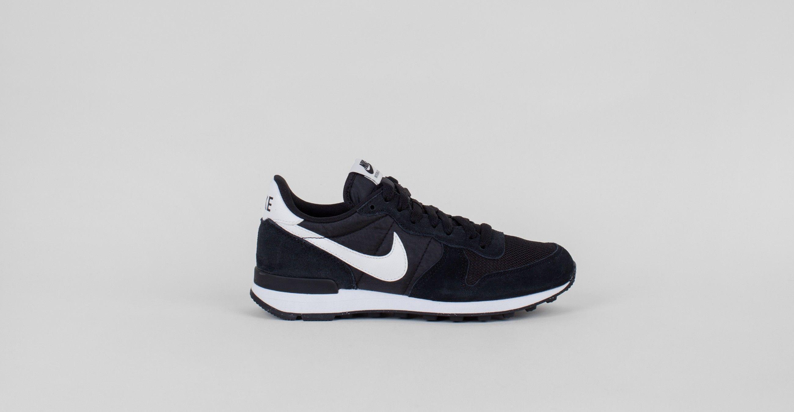 Nike Internationalist Black/Summit White – Voo Store